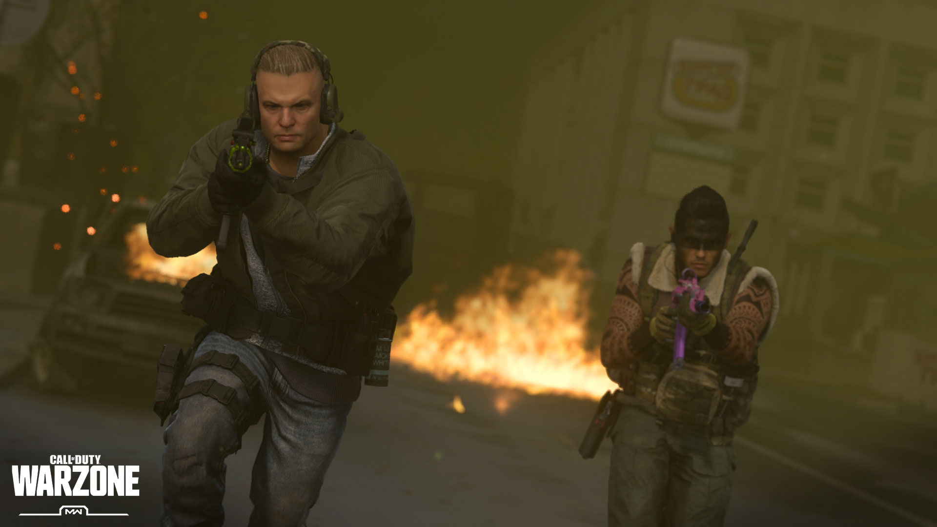 Battle the Circle Collapse in Warzone Battle Royale - Image 2